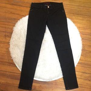 New!  ELLE Faded rinsed Black Skinny Jeans'!